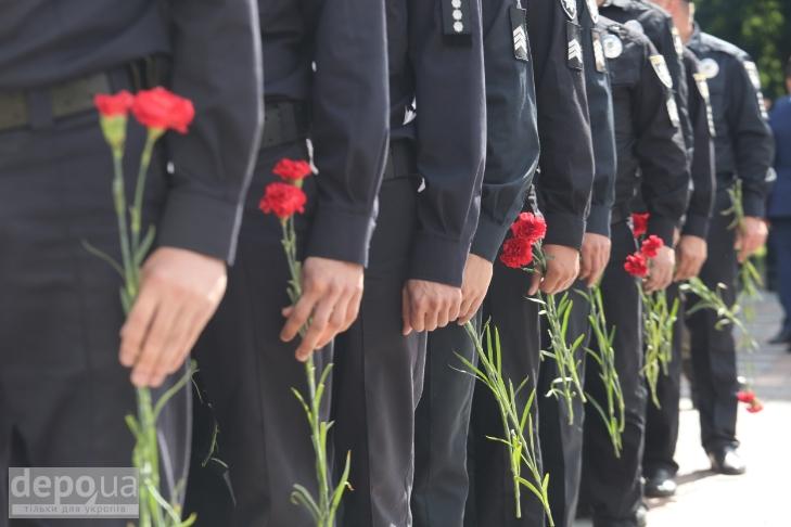 Як під Верховною Радою поминали загиблих нацгвардійців (ФОТОРЕПОРТАЖ) - фото 17