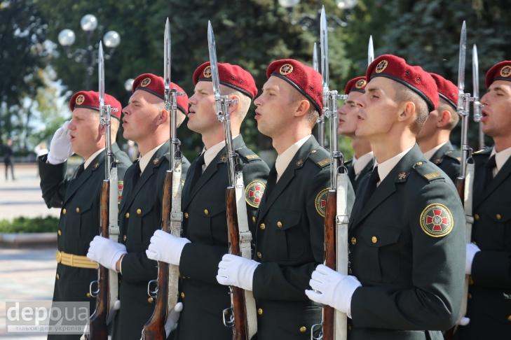 Як під Верховною Радою поминали загиблих нацгвардійців (ФОТОРЕПОРТАЖ) - фото 12