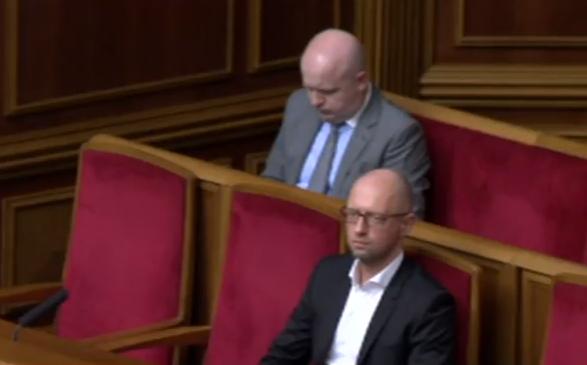 Яценюк заявився у Раду - фото 1