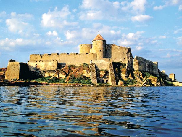 Одразу дві фортеці, що на Хмельниччині увійшли в 9 українських замків-фортець-палаців, які вражають своєю красою - фото 9