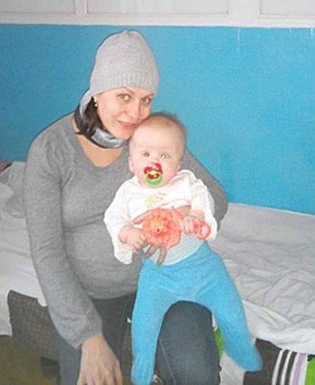 Запорізькі волонтери борються за життя дитини із зони АТО  - фото 2