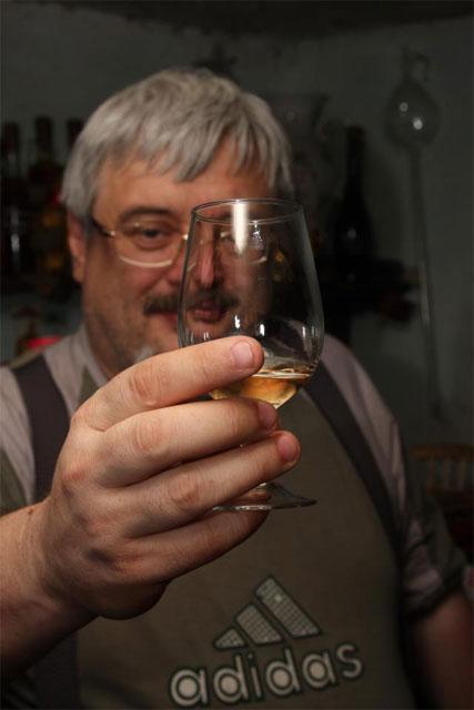 Шемет дарує пляшку фірмового вина за посилання на смішне відео - фото 1
