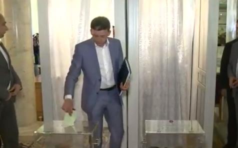 Гройсман оголосив таємне голосування за членів ВРЮ - фото 1