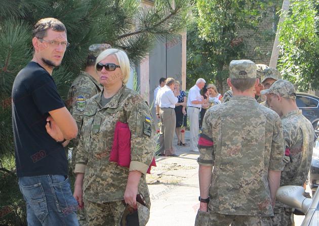 У Бердянську попрощалися з волонтером, який загинув в зоні АТО - фото 4
