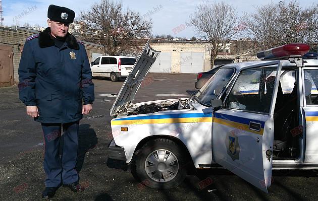 """В Бердянську у дорожньої поліції забрали нові """"Пріуси"""" - фото 1"""
