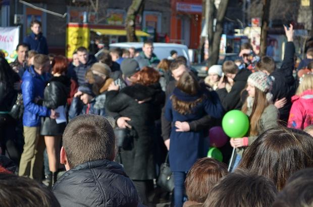 """Для запорізьких """"молодят на годинку"""" 14 лютого весільні вальси грав військовий оркестр місцевої частини 3033 - фото 11"""