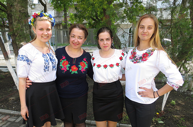 Як мешканці Бердянська відзначили День вишиванки - фото 5