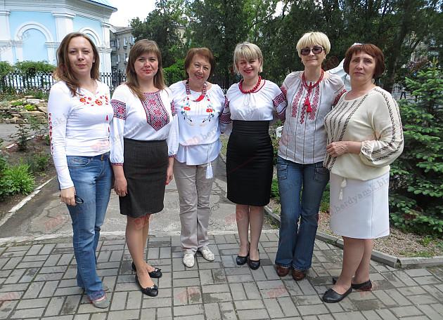 Як мешканці Бердянська відзначили День вишиванки - фото 6