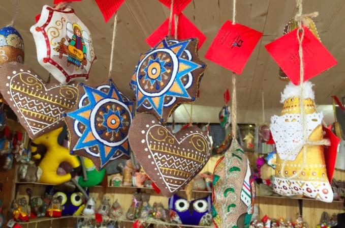 На різдвяному ярмарку у Відні представлені українські іграшки - фото 1
