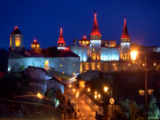Одразу дві фортеці, що на Хмельниччині увійшли в 9 українських замків-фортець-палаців, які вражають своєю красою - фото 2