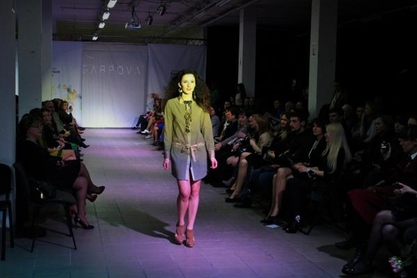 """Чим дизайнери-ветерани та дебютанти """"спокушали"""" вінницьких модників - фото 35"""