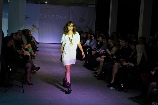 """Чим дизайнери-ветерани та дебютанти """"спокушали"""" вінницьких модників - фото 31"""