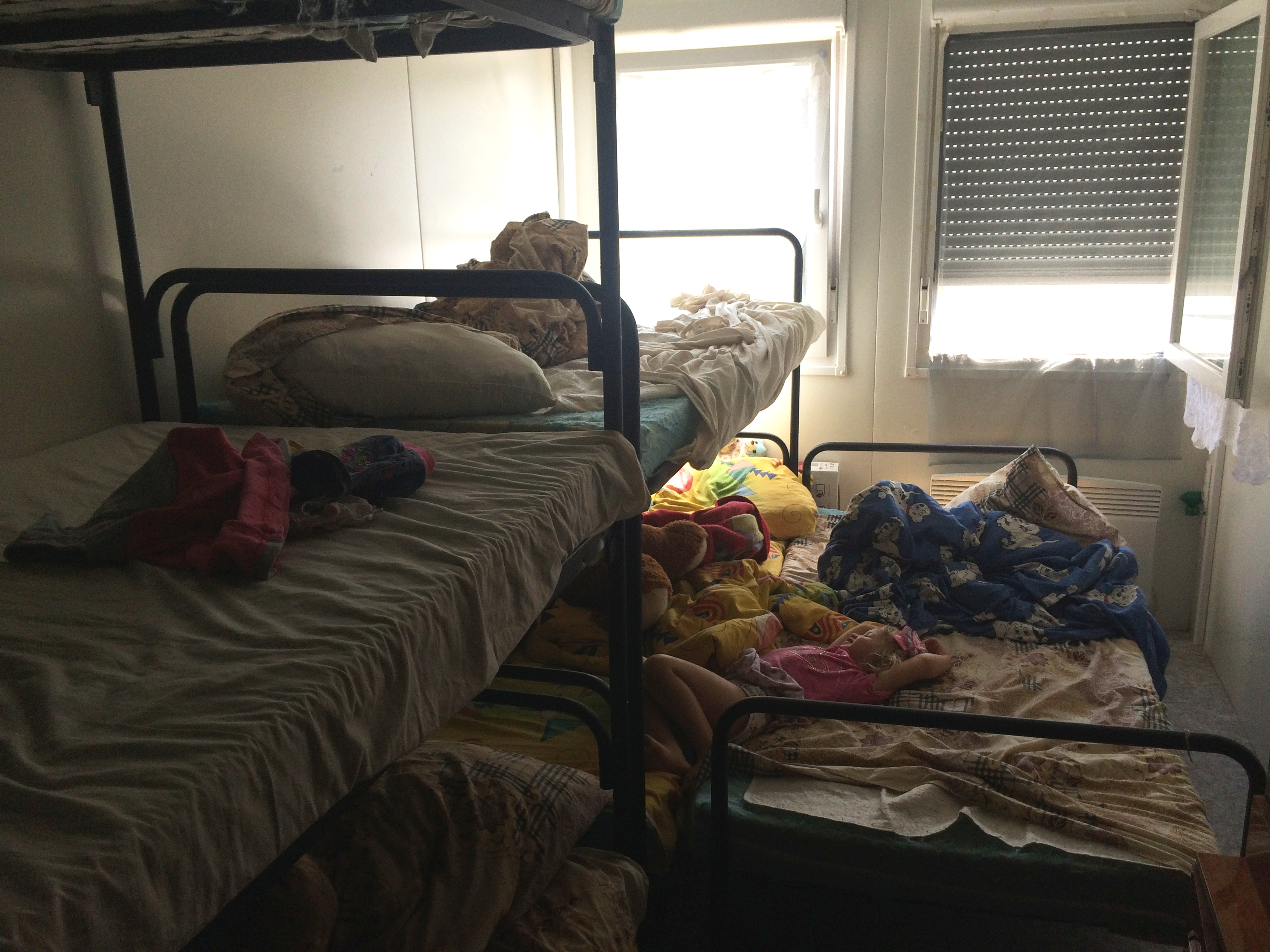 Платити втридорога: як у харківському модульному містечку переселенці з Донбасу переживають підвищення тарифів - фото 9