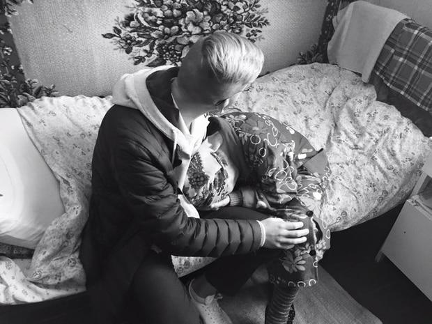 Шведський школяр знайшов свою літню бабусю у будинку для літніх людей - фото 1