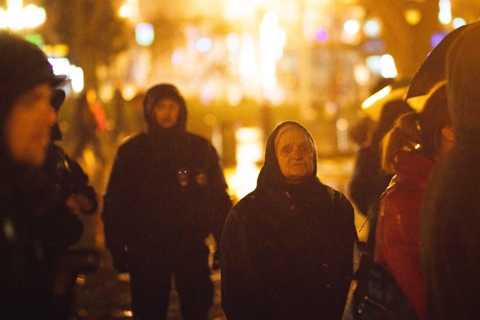 У Львові запалили свічки в пам'ять Героїв Небесної Сотні - фото 11