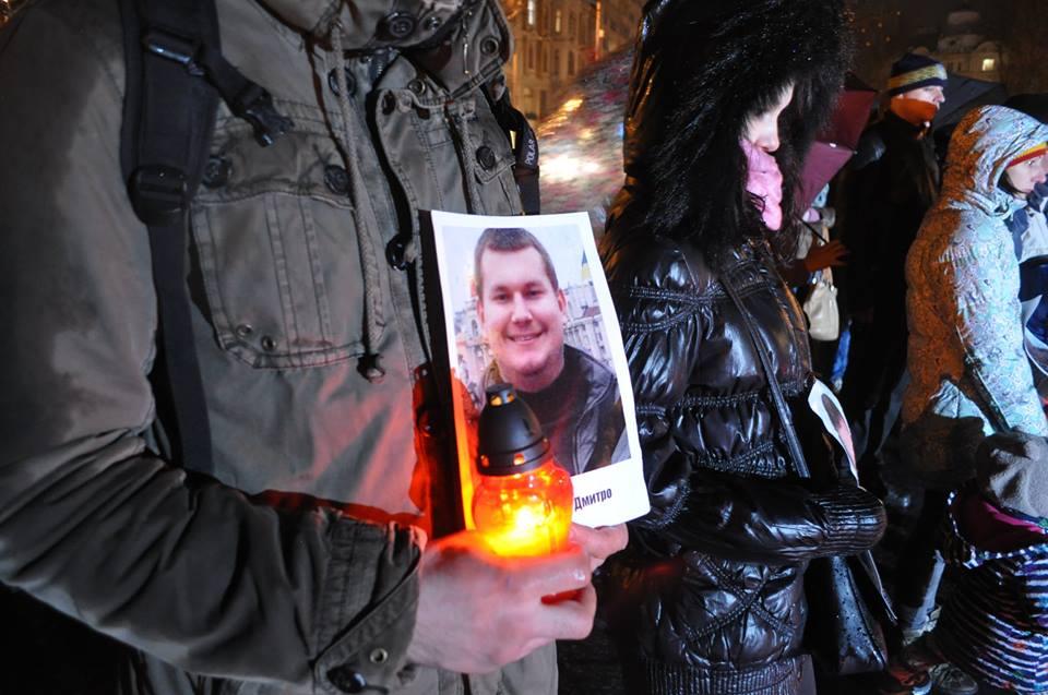 У Львові запалили свічки в пам'ять Героїв Небесної Сотні - фото 7