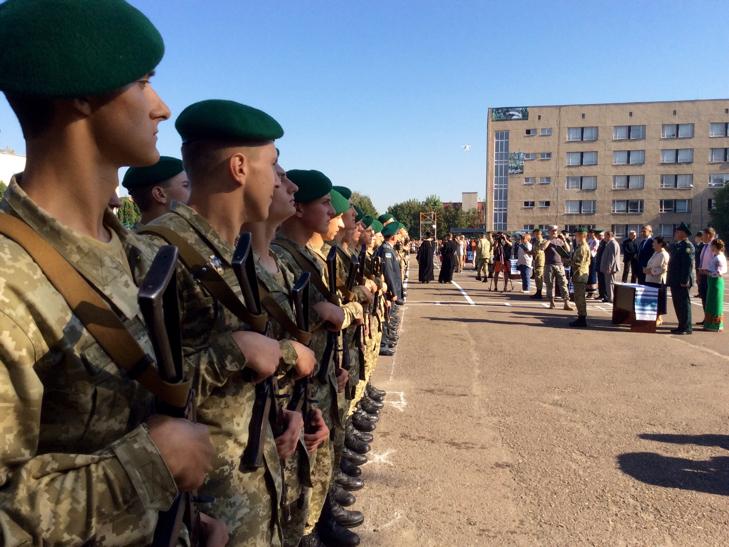 В Україні на дві з лишнім сотні побільшало прикордонників - фото 14