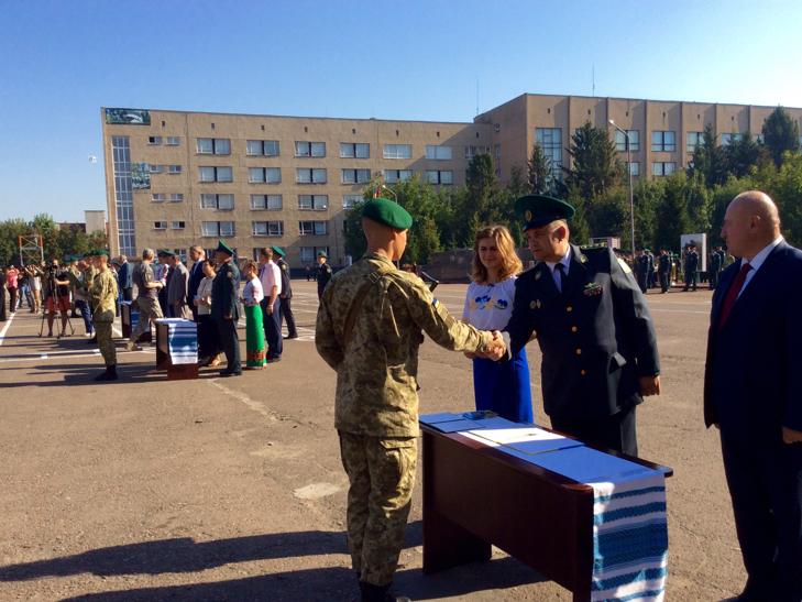 В Україні на дві з лишнім сотні побільшало прикордонників - фото 10