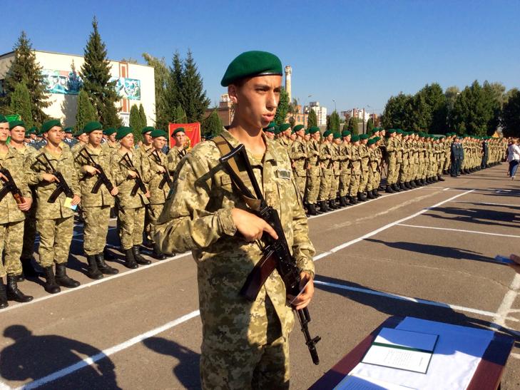 В Україні на дві з лишнім сотні побільшало прикордонників - фото 7