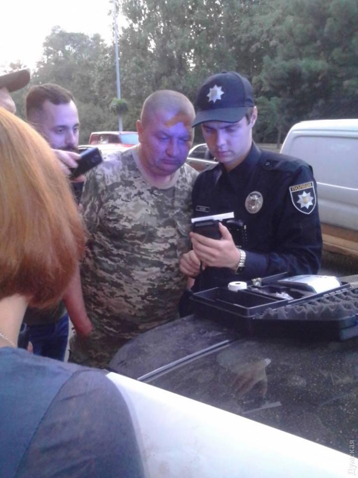Як в Одесі затримували п'яних генерала та полковника на шикарному