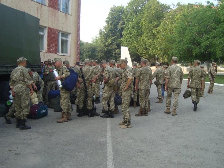 Військові з Кам'янця знову вирушили на Донбас - фото 4