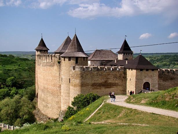Одразу дві фортеці, що на Хмельниччині увійшли в 9 українських замків-фортець-палаців, які вражають своєю красою - фото 4