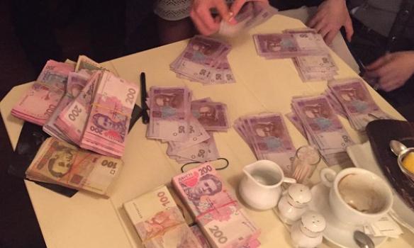 У Києві на хабарі поліцейському погорів кримінальний авторитет (ФОТО) - фото 1