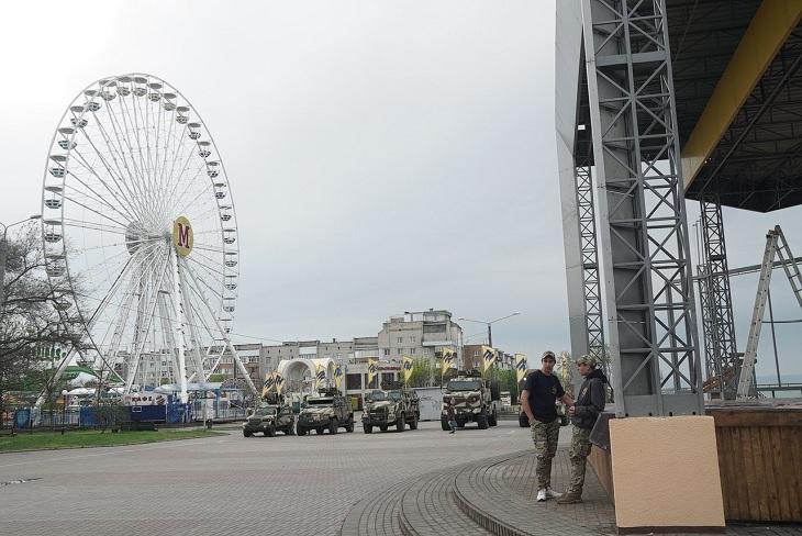"""У курортному місті триває підготовка до святкування полком """"Азов"""" другої річниці свого існування - фото 2"""