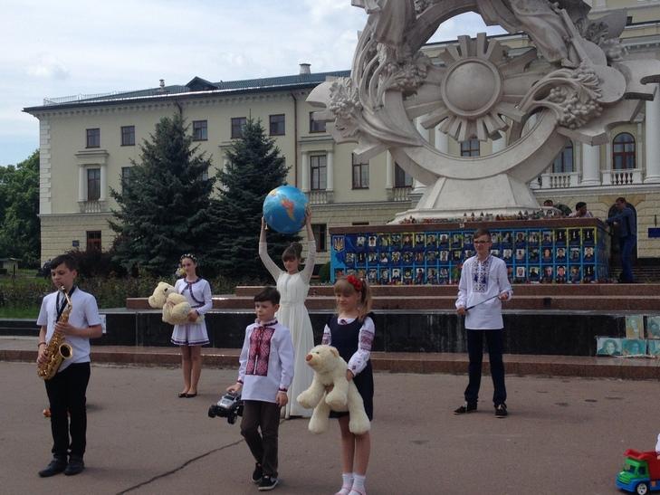 Діти Хмельниччини закликали Путіна припинити війну - фото 1