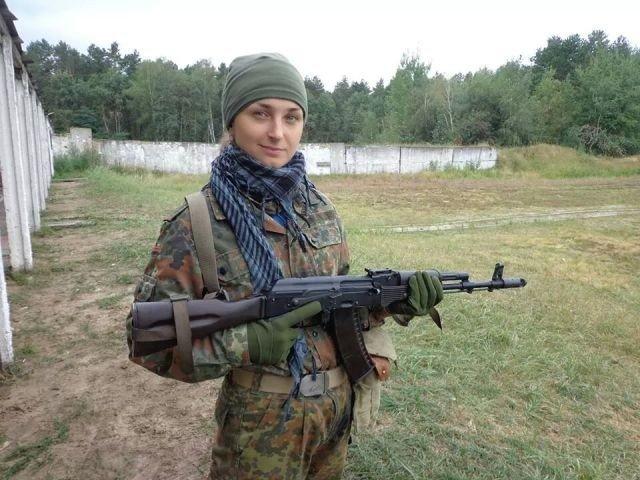 Краса рятує Україну: ТОП-10 красунь-бійців АТО - фото 17