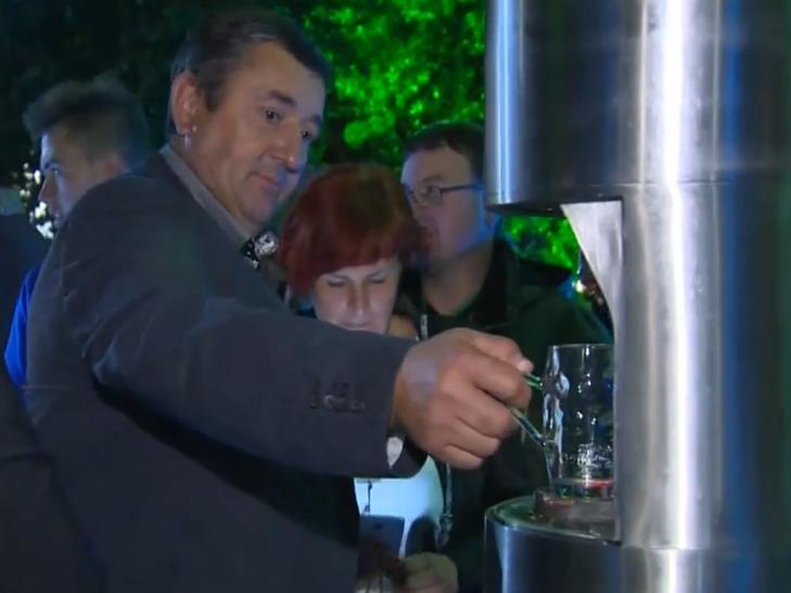 У Словенії відкрився перший фонтан пива - фото 2