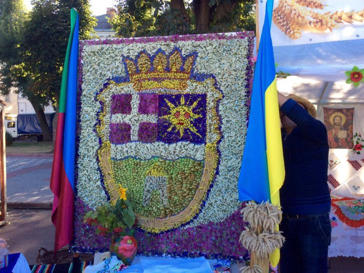 Головний майдан Хмельниччини готовий до святкувань - фото 12