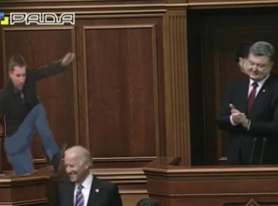 Соцмережі відреагували фотожабами на візит Байдена в Україну - фото 3