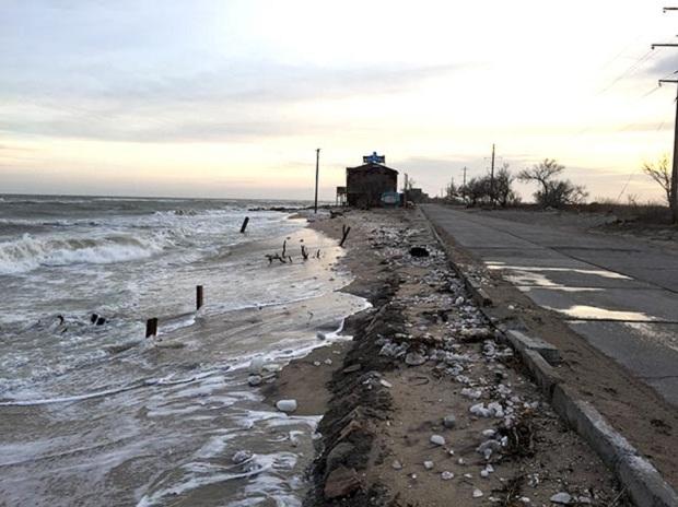 """Азовське море відрізає Бердянську косу від """"великої землі""""   - фото 8"""