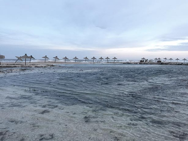 """Азовське море відрізає Бердянську косу від """"великої землі""""   - фото 5"""