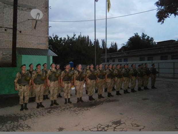 Хлопці, що нестимуть службу на межі з окупованим Кримом, отримали головний символ охоронців кордону  - фото 1
