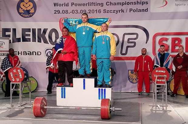 Бердянський студент у Польщі двічі побив світовий рекорд з пауерліфтингу - фото 1