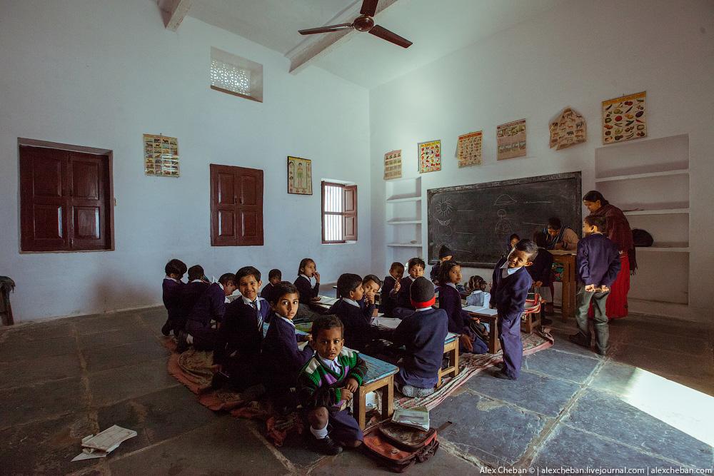 День знань: у всьому світі свято для дітей, а в нас – як на Росії - фото 16