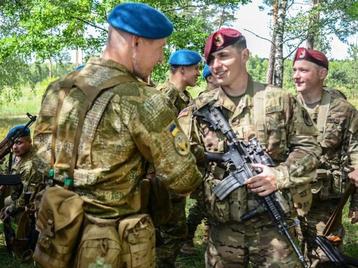 Українські десантники на відмінно справилися зі стрільбами - фото 2