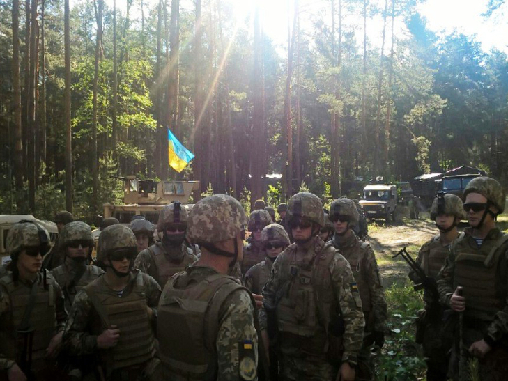 Українські десантники на відмінно справилися зі стрільбами - фото 1
