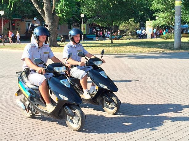 На вулицях Бердянська з'явилася вело-мотополіція  - фото 1