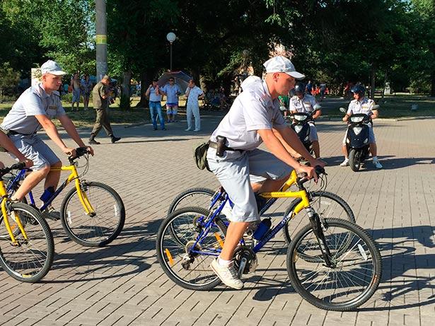 На вулицях Бердянська з'явилася вело-мотополіція  - фото 3