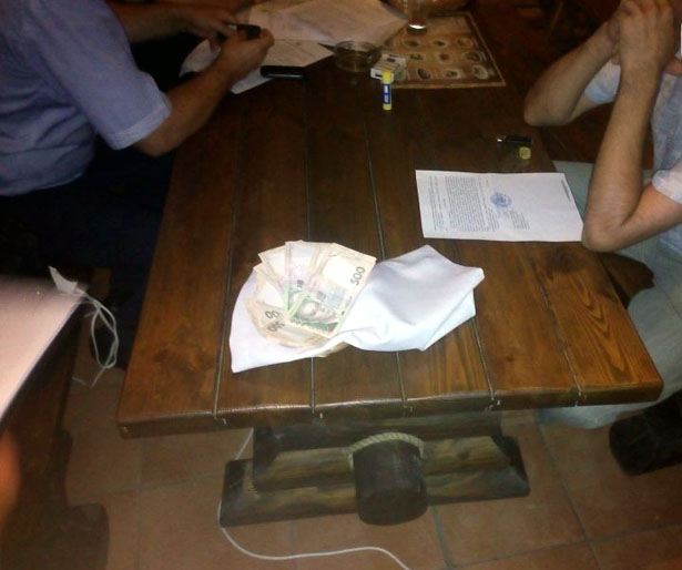 У Запорізькій області на хабарі затримали суддю (ФОТО, ВІДЕО) - фото 2