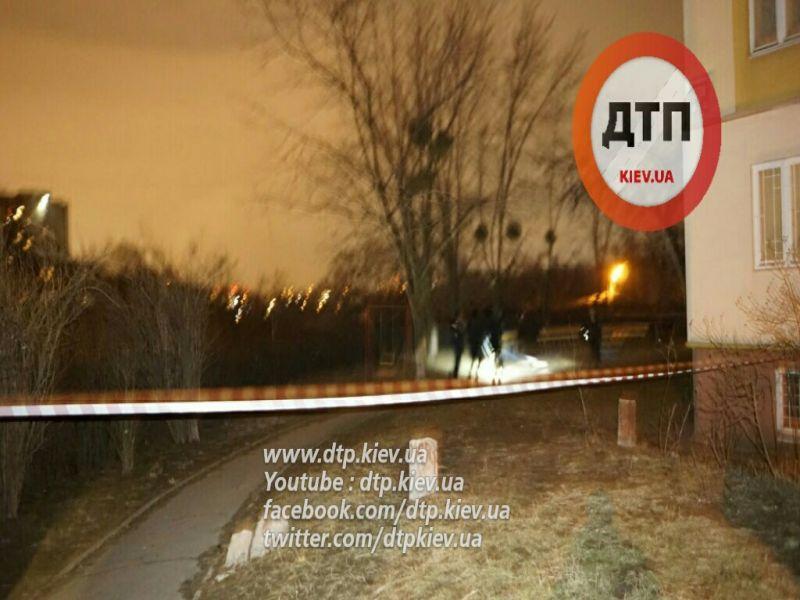 У Києві вночі прогримів потужний вибух - фото 4