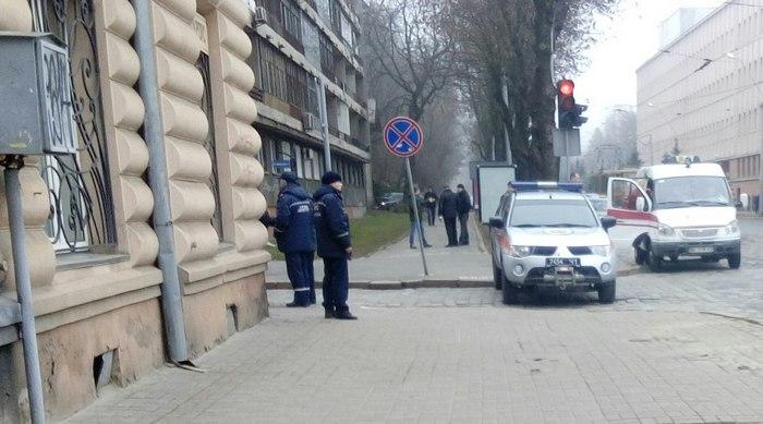 З'явилися фото замінування СБУ у Львові - фото 1