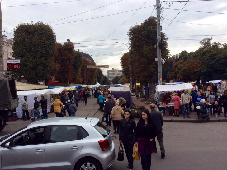 Хмельницька центральна вулиця перетворилася в святковий ярмарок - фото 19
