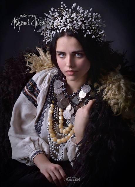 Як українки вбиралися на свята понад 100 років тому  - фото 9