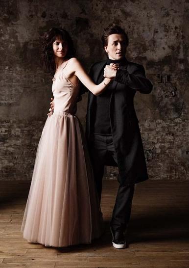 Безруков та Хабенський вперше офіційно представили своїх нових дружин  - фото 2