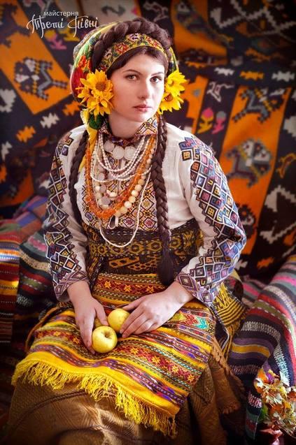 Як українки вбиралися на свята понад 100 років тому  - фото 5