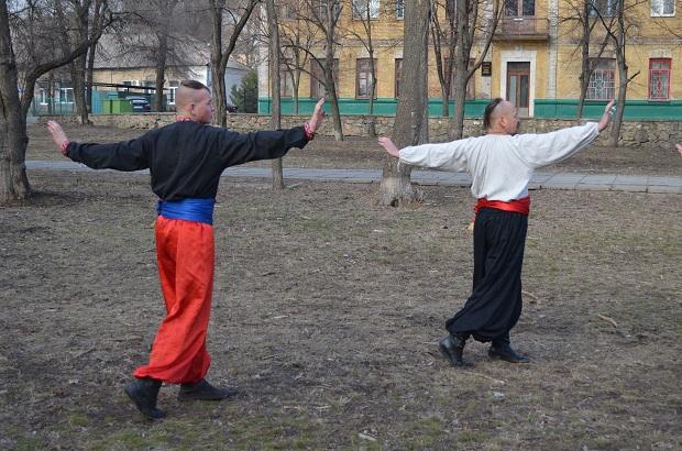 Топ-10 вправ справжньої січової зарядки від головного козака України Олександра Притули - фото 17
